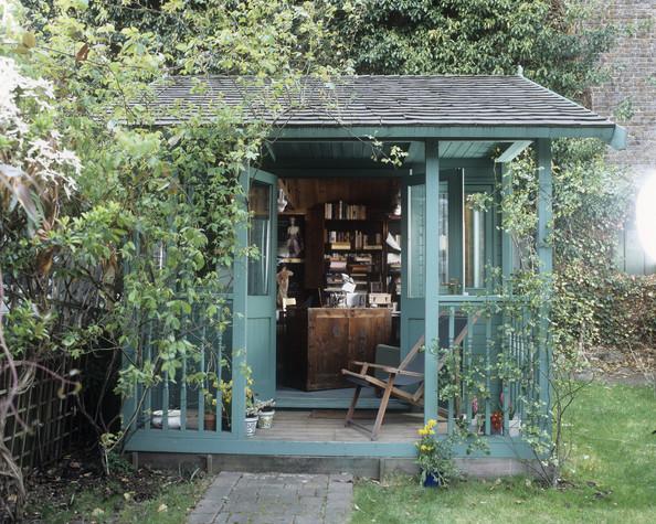 La casita del jard n patricia from my window for Casitas con jardin